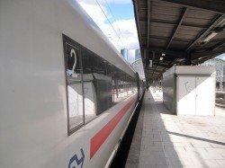 langer ICE in Frankfurt nach Bruessel