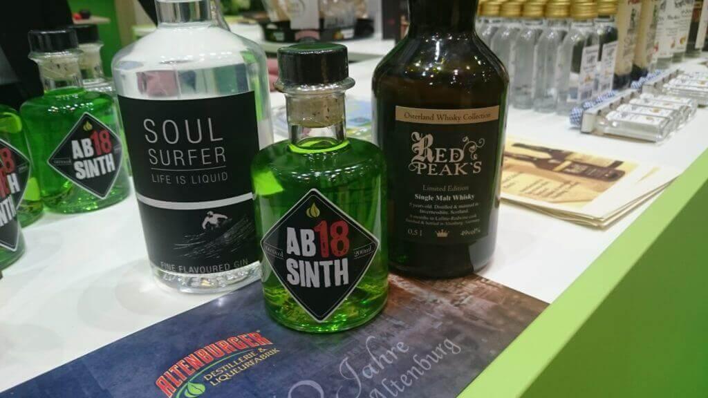 Der erste Gin aus Altenburg - verkostet und für gut befunden - mit Ministerpräsident Ramelow und Alt-Bauernpräsident Gumpert auf der Grünen Woche