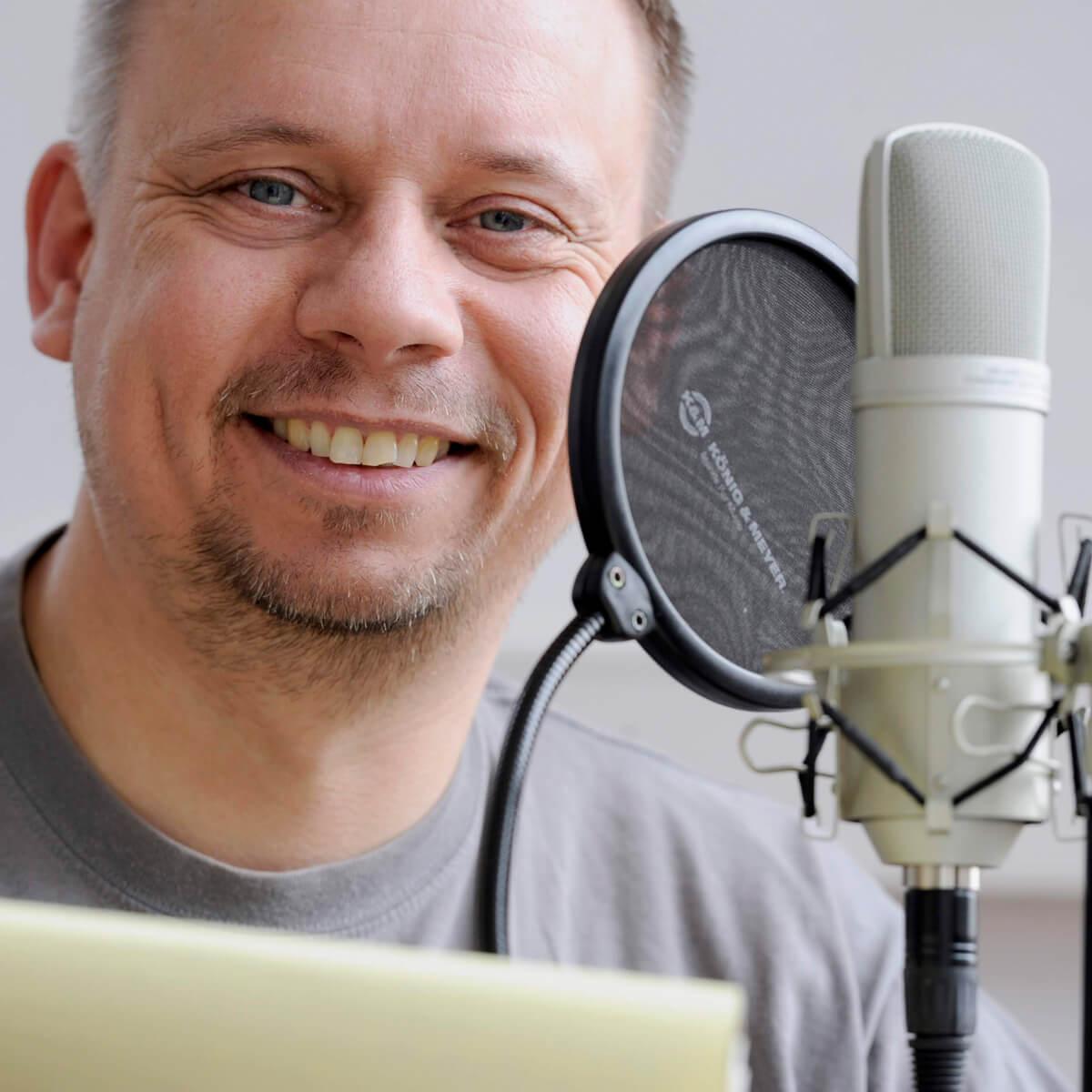Ulrich Haage ist ausgewiesener Kakteen-Fachmann und führt uns mit seinem Kaktus-Podcast akustisch durch die Welt der Kakteen und Sukkulenten